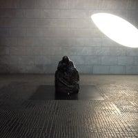 9/4/2012 tarihinde Firat A.ziyaretçi tarafından Neue Wache'de çekilen fotoğraf
