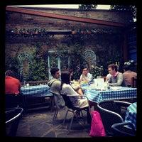 5/13/2012 tarihinde Mark L.ziyaretçi tarafından Megan's'de çekilen fotoğraf