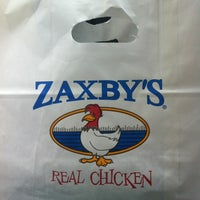 Photo taken at Zaxby's Chicken Fingers & Buffalo Wings by Nikki B. on 8/13/2012