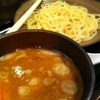 Photo taken at 三ツ矢堂製麺 武蔵小山店 by Shoeg U. on 5/5/2012