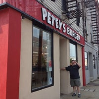Photo taken at Petey's Burger by Nicole G. on 6/10/2012