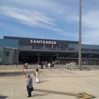Photo taken at Aeropuerto de Santander - Seve Ballesteros by Jimmy on 7/2/2012