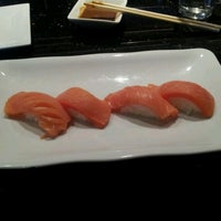 2/23/2012 tarihinde Everett N.ziyaretçi tarafından Sushi Axiom Henderson'de çekilen fotoğraf