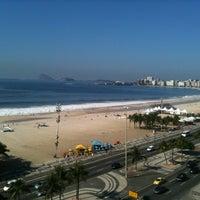 Foto tirada no(a) Atlântico Praia Hotel por Erico T. em 2/29/2012