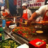 Foto tirada no(a) Tacos El Periferico por Berzain P. em 3/15/2012
