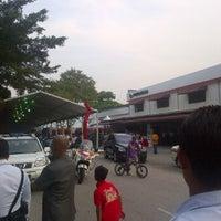 Photo taken at Faresh Auto by Kerul D. on 6/25/2012