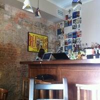 Снимок сделан в Хитрые люди пользователем Albina C. 6/28/2012