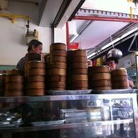 Photo taken at Hua Nan Coffee Shop by Brian A. on 9/2/2012