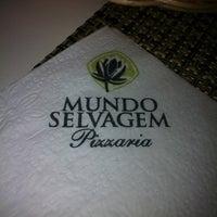 Foto tirada no(a) Mundo Selvagem Pizzaria por Deborita d. em 2/20/2012