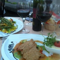 Photo taken at Restaurant du Port de Pully by Gu Sultan 🌙💝🇷🇺🇮🇹 on 5/26/2012