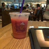 Photo taken at The Coffee Bean & Tea Leaf by Erwin S. on 7/15/2012