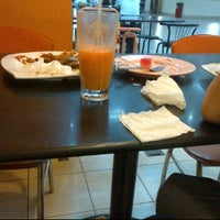 Photo taken at Restoran Sinar Selera by Nur Alisha on 5/28/2012