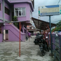 Photo taken at AMIK/AKTAN Boekittinggi by Andika B. on 3/14/2012