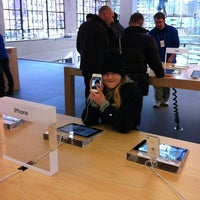 Photo taken at Apple West 14th Street by Jens Lernø S. on 2/26/2012