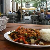 Das Foto wurde bei Thong Thai von Thomas L. am 7/28/2012 aufgenommen