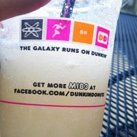 Photo taken at Dunkin' Donuts by Fox on 5/27/2012