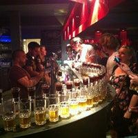 Das Foto wurde bei Wombat's City Bar von Serdar E. am 7/17/2012 aufgenommen