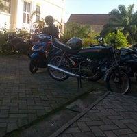 Photo taken at parkiran motor statistika unpad by Jaka A. on 6/19/2012