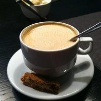 Снимок сделан в Кабинет Кафе пользователем Alisa S. 4/25/2012