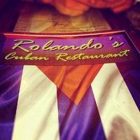 Foto tomada en Rolando's Cuban Restaurant por Elaine M. el 8/17/2012