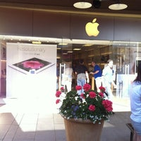 Photo taken at Apple Corte Madera by Thomas W. on 6/12/2012