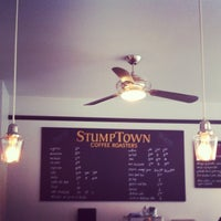 Foto tirada no(a) Stumptown Coffee Roasters por Luke B. em 4/16/2012