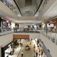 รูปภาพถ่ายที่ AEON Mall โดย Daisuke A. เมื่อ 9/2/2012