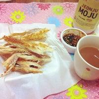 Photo taken at 첼로네 by Ye Eun J. on 5/29/2012