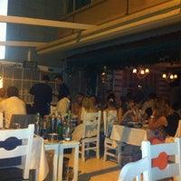 8/27/2012 tarihinde Eray B.ziyaretçi tarafından Komşu Rum Meyhanesi'de çekilen fotoğraf