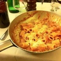 Foto scattata a Taverna Trilussa da Gazzurbo il 3/21/2012