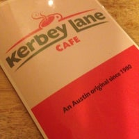 Photo prise au Kerbey Lane Café par C K. le4/14/2012