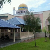 Photo taken at Masjid Bandar Perda by Nazmi A. on 3/10/2012