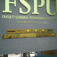 Photo taken at Fakulti Senibina, Perancangan dan Ukur by Syahay S. on 3/30/2012