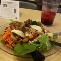 Photo taken at Parkside Dining Hall by Pedro Elias F. on 8/28/2012