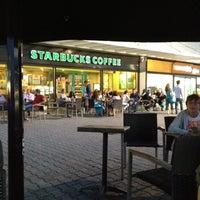 8/18/2012 tarihinde Bora A.ziyaretçi tarafından Starbucks'de çekilen fotoğraf