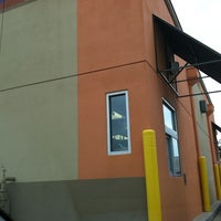 Photo taken at Taco Bell by Steven R. on 6/1/2012
