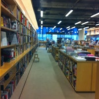 Photo taken at Hennessey + Ingalls Bookstore by Ann F. on 8/14/2012