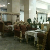 Снимок сделан в Tajj Mahal пользователем Marusya 7/17/2012