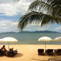 Photo taken at Maenamburi Resort by Kris P. on 5/19/2012
