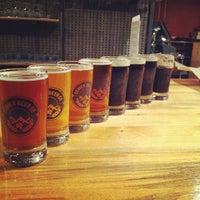 2/27/2012 tarihinde Joshua F.ziyaretçi tarafından Denver Beer Co.'de çekilen fotoğraf