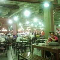 Photo taken at Seri Market by Kanejungkoong on 5/26/2012