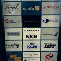 Foto diambil di Menzies Business Lounge oleh Magnus B. pada 3/12/2012