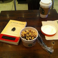 Foto tomada en Starbucks por Rick M. el 6/17/2012