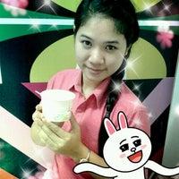 Photo taken at Samma Ice Cream :: mini :: (ไอศกรีมสัมมา) by fonjoung s. on 8/24/2012