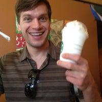 รูปภาพถ่ายที่ Froglanders โดย Conor A. เมื่อ 5/4/2012