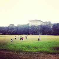 Photo taken at Sunken Garden by Choi A. on 5/1/2012