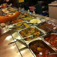 Das Foto wurde bei All Seasons Steak Buffet von Flukee's Z. am 5/9/2012 aufgenommen
