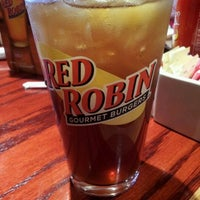 Photo taken at Red Robin Gourmet Burgers by Cedric B. on 3/25/2012