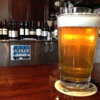 Снимок сделан в Ritual Kitchen, Tavern and Beer Garden пользователем Saul G. 4/2/2012