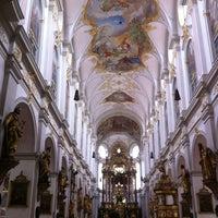 Das Foto wurde bei St. Peter von Yuyi Y. am 7/6/2012 aufgenommen
